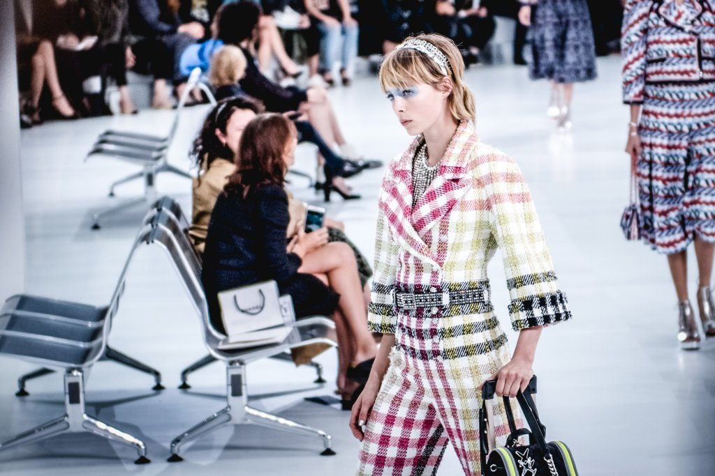 chanel ss2016 show02 Faye