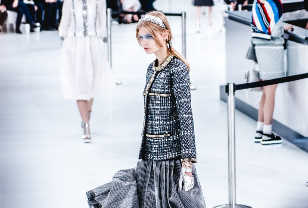 chanel ss2016 show12 Faye