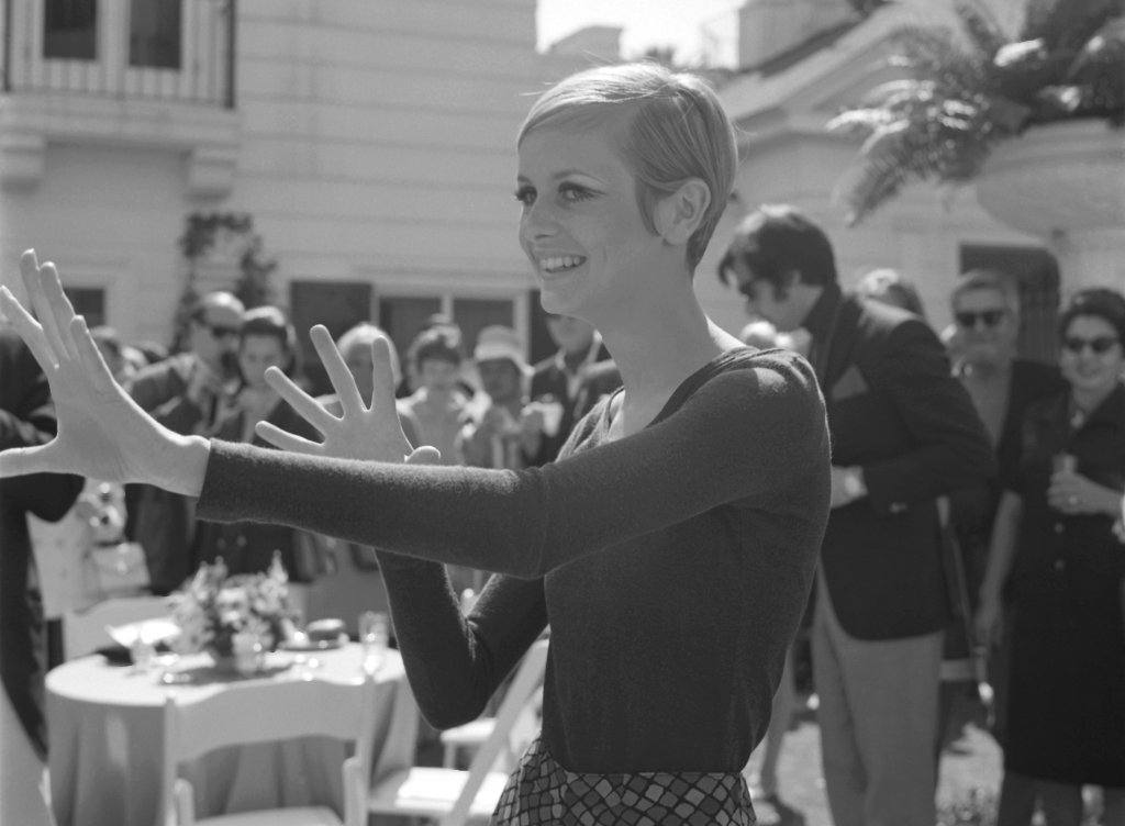 Twiggy In Beverly Hills